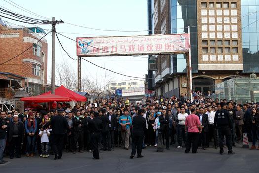 Urumçi Türk Pazarı Resimleri ile ilgili görsel sonucu