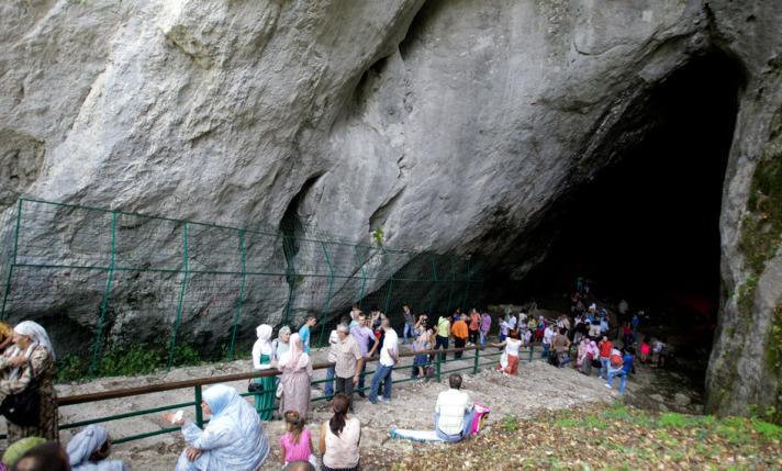 """Bosna'da """"Kız Mağarası"""" şenlikleri"""